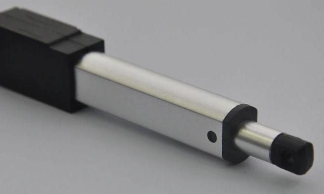 Mikro lineární elektrický pohon 12V rychlost posuvu 150mm-s 6N