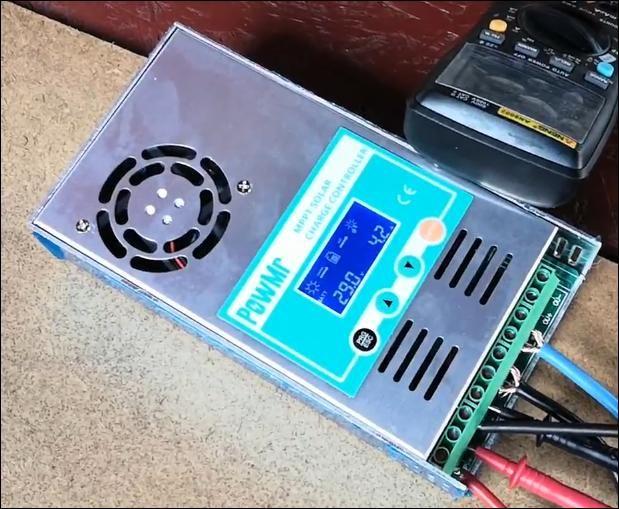 PowMr MPPT 60A solární regulátor nabíjení pøesný 12V 24V 36V 48V Auto pro max vstup 190VDC PV panelu s podsvícením LCD displeje